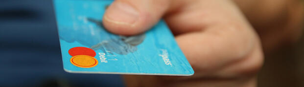 credit-card-paying-payment