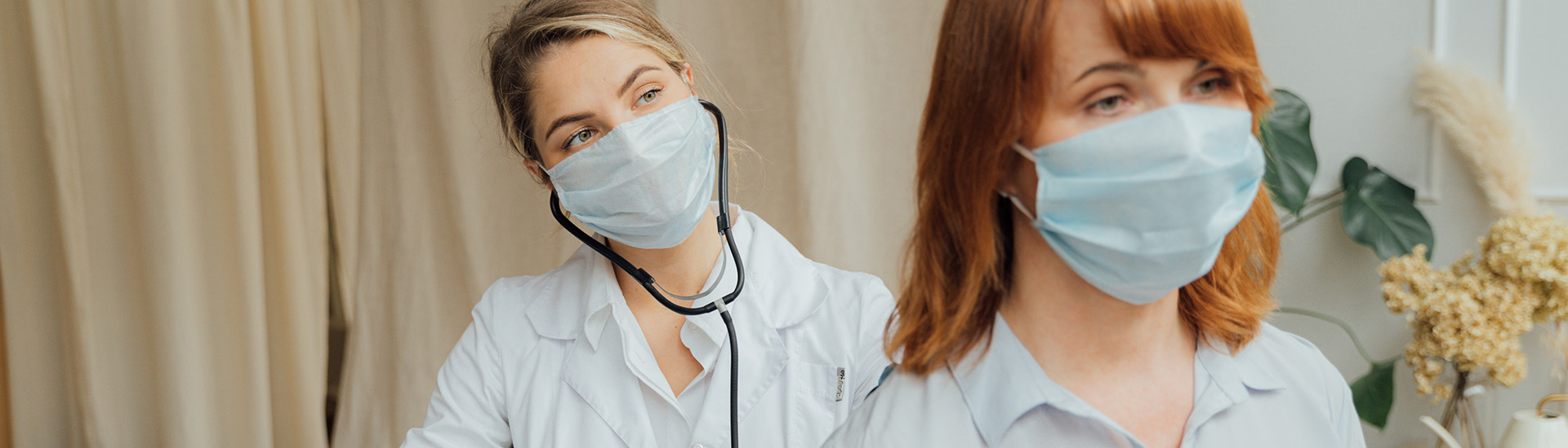 white-coat-doctor-with-patient